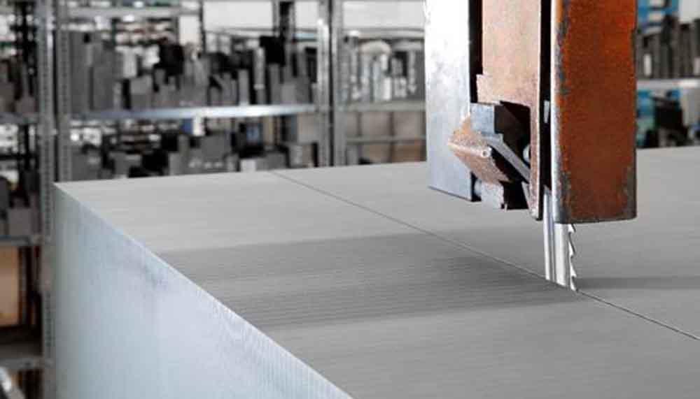 Tecnosystem suministra Grafito TS cortado a medida para electrodos de desbaste a alta velocidad, semidesbaste, acabado e incluso ultra-acabado. Corte de grafito a medida y entrega inmediata