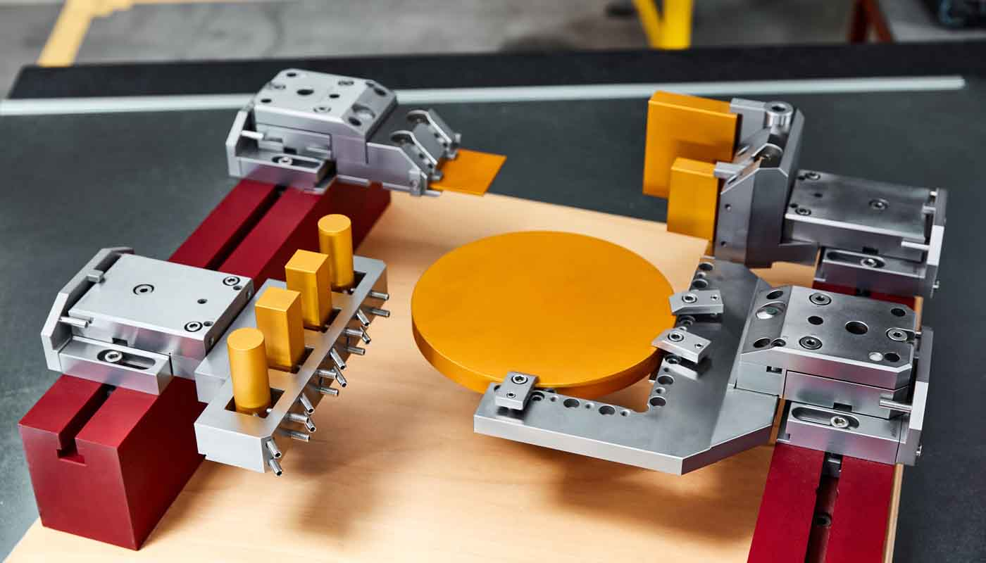 Tecnosystem suministra sistemas de sujeción y paletización Carl Hirschmann 4000 para máquinas de electroerosión por hilo y penetración, reduce los tiempos de colocación y fijación de piezas, tanto para mesa como palet con portapiezas